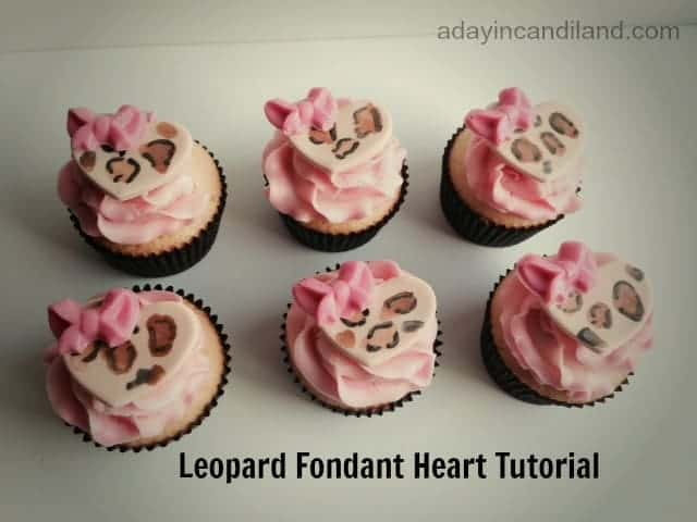 6 Fondant Heart cupcakes with bows
