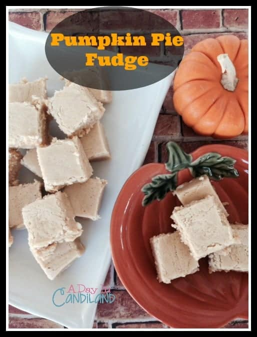 Pumpkin-Pie-Fudge-on-plates