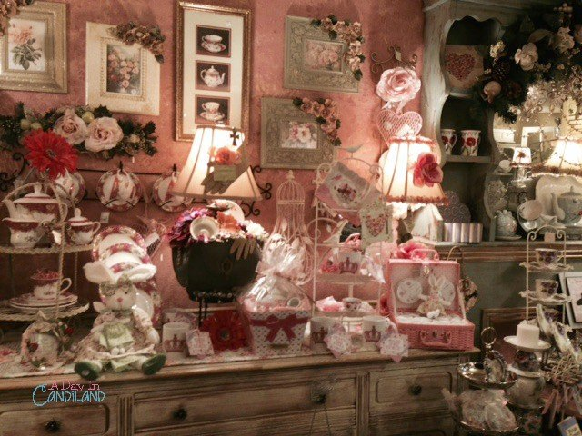 Belladonna gift shop with tea items to purchase, located in Southern California