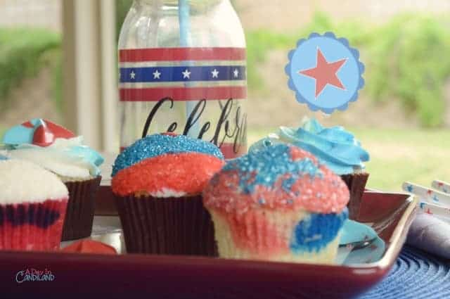 4th of July, Red White and Blue cupcakes and printable