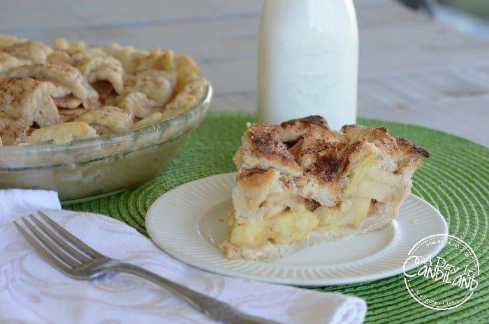 Apple Pie with 3 varieties of apples