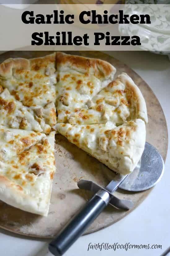 Garlic-Chicken-Skillet-Pizza_31