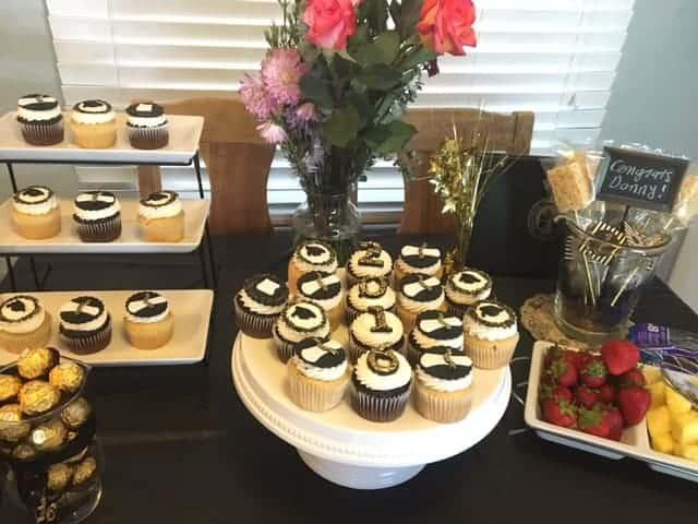 Graduation cupcakes at Donnys