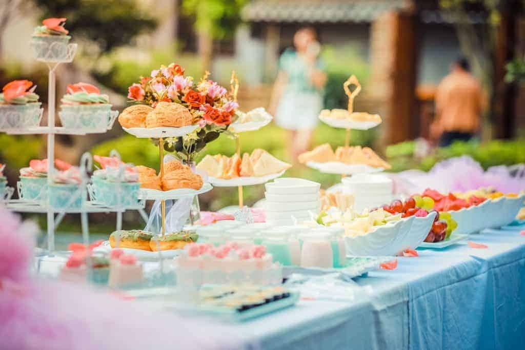 Easy Dessert Recipes dessert table setting