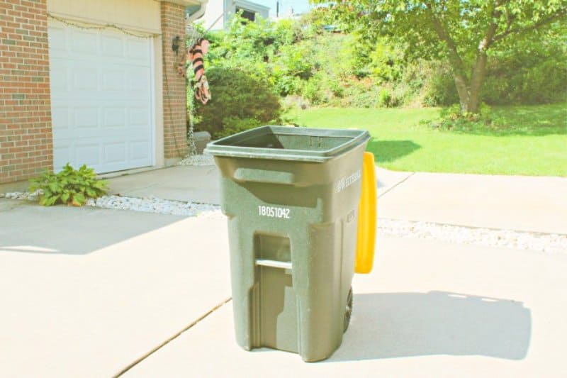 Fall outdoor cleaning recycling bin