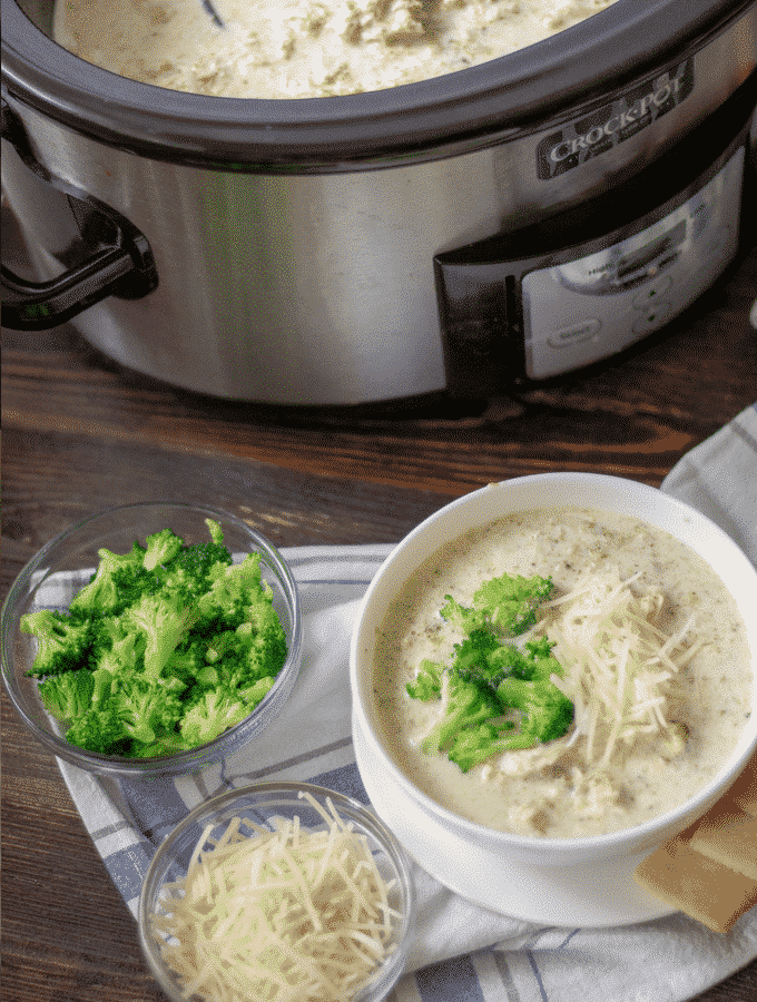 Slow cooker broccoli Alfredo soup